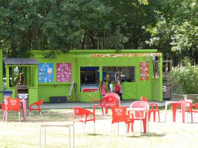 espace accueil et snacking à Parcofolies La Baule