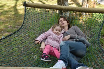 pause détente dans un hamac à Parcofolies