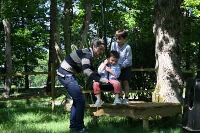 petite tyrolienne pour les 2-5 ans parcofolies parc de jeux pour les petits la baule