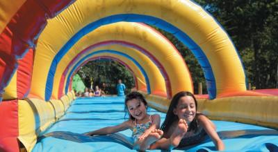 folles glissades sur les Ventrigliss de Parcofolies la baule parc de loisirs pour enfants du 44
