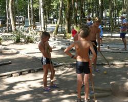 jeu de croquet entre enfants Parcofolies La Baule